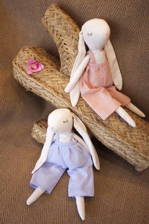 Muñeco de trapo rosa