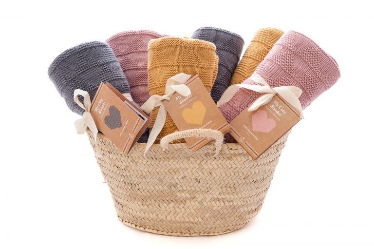 Pack 6 mantas y cesto regalo